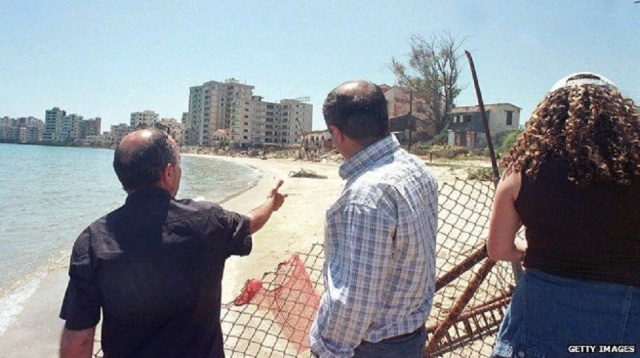 _66055056_cyprus_beach_border_g